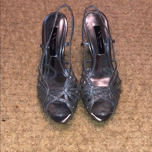 Sparkly silver heels, women's size 7.5